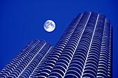 ARCHITECTURE TALL BUILDINGS MARINA CITY CHICAGO ILLINOIS USA