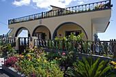 House with pretty garden, Faja da Ovelha, Madeira, Portugal