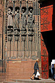 South Door Of The Strasbourg Cathedral, Foolish Virgins. They Hold The Lamps Upside Down, Hold Closed The Tables Of The Law And Are Next To The Tempter Who Holds The Apple Of Temptation And Has Reptiles On His Back, Strasbourg, Bas Rhin (67), Alsace, Fran