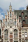 Rue De La Montagne Au Cour. This Edifice, Built In 1898 Par Paul Saintenoy, Combines Neo-Gothic And Flemish Neo-Renaissance Styles, Brussels, Belgium
