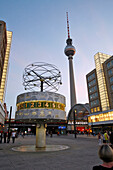 Alexanderplatz, Television Tower, Fernsehturm And Urania Worldtime Clock, Weltzeituhr Conceived In 1969 By Erich John, Gives The Time Zones Of The Main Cities In The World, Berlin, Germany