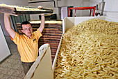 Traditionally§made Pastas (Spaghetti, Penne, Spaghettini, Macaroni). Martelli Family Enterprise Since 1926, Lari, Near Pisa, Tuscany, Italy