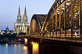 Cologne Cathedral with Hohenzollernbrücke, Cologne, North Rhine-Westphalia, Germany