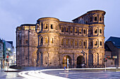 Porta Nigra, large Roman city gate, landmark of Trier, oldest Town in Germany, Trier, Rhineland Palatinate, Germany, Europe