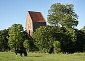 Kirchturm, Suurhusen, Ostfriesland, Niedersachsen, Deutschland