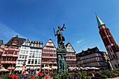 Fountain of Justice (Gerechtigkeitsbrunnen), Roemerberg, Frankfurt am Main, Hesse, Germany