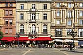 Pavement cafe on Opera Square, Frankfurt am Main, Hesse, Germany
