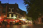 Restaurants and pubs in the evening light, Alt-Sachsenhausen, Frankfurt am Main, Hesse, Germany