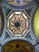 Iglesia de la Santa Veracruz dome. Ciudad de México.