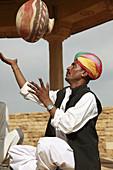 India,  Rajasthan,  Jaisalmer,  traditional musician