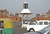 Rashtrapathi Bhavan, goverment buildings at Rajpath, traffic lights and traffic, New Delhi, Indian capital, India, Asia
