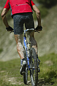 Mountainbiker, Gran Sasso d'Italia, Abruzzo, Italy