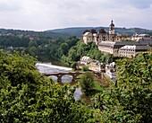 D-Weilburg, Lahn, Lahntal, Westerwald, Taunus, Naturpark Hoch-Taunus, Hessen, Panoramablick mit Lahn und Schloss, Barock, Renaissance, D-Weilburg, Lahn, Lahn valley, Westerwald, Taunus, nature reserve Hoch-Taunus, Hesse, panoramic view with Lahn river and