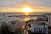 Hafenstadt Los Cristianos bei Sonnenuntergang, Teneriffa, Kanarische Inseln, Spanien, Europa