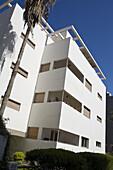Original Bauhaus Building in the sunlight, Gordon Street, Tel Aviv, Israel, Middle East