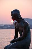 Die Kleine Meerjungfrau, Bronze Skulptur im Hafen, Kopenhagen, Dänemark, Skandinavien, Europa