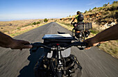 Radfahrer fahren bergab, Madagaskar