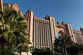 Aussenaufnahme des Luxushotel Atlantis Hotel auf der Palm Jumeirah