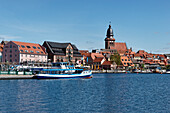 Town Port with view towards St. Mary`s Church in Waren, Mueritz, Mecklenburg Lake district, Mecklenburg-Western Pomerania, Germany
