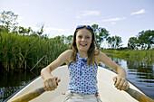 Girl rowing (MR)
