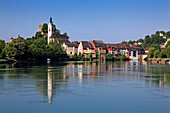 Stadt am Rhein im Sonnenlicht, Laufenburg, Hochrhein, Kanton Aargau, Schweiz, Europa