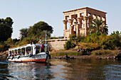 Boat in front of the kiosk of Trajan at Philae Tempel, Aswan, Egypt, Africa