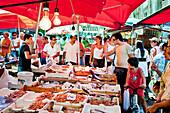 Stand with fish, Market, Mercato di Ballaró, Palermo, Sicily, Italy