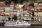 Douro river, Ribeira neighbourhood, Porto, Portugal
