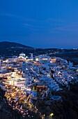 Beleuchtet, Dämmerung, Dorf, Europa, Griechenland, Nacht, Niemand, Santorin, Santorini, Thera, Thira, Vertikal, M84-927737, agefotostock