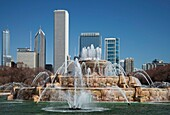 Chicago, Illinois - Buckingham Fountain in Grant Park  © Jim West