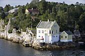 Idyllic Houses alongside Fjord, near Bergen, Hordaland, Norway, Europe
