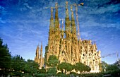 Barcelona, La Sagrada Familia: Nativity façade reflected in the lake of Gaudí´s square