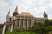 Corvin´s Castle Corvinesti or Hunedorestilor with moat in Romania  Europe, Eastern Europe, romania, hunedoara, September 2009