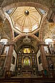 La Parroquia church of St Michael the Archangel, interior view of church, San Miguel de Allende, Guanajuato, Mexico