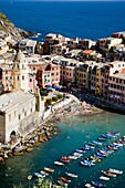 Ansicht, Cinque, Dorf, Fernsehantenne, Fernsehantennen, Hafen, Italien, Küste, Liguria, Ligurien, Meer, Meeresküste, Stadt, Terre, Vernazza, Vista, XG3-943466, agefotostock
