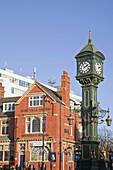 Endland, West Midlands, Birmingham, Jewellery Quarter, 1903 Chamberlain Clock and Rose Villa Tavern