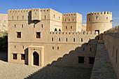 historic adobe fortification Ibri Fort or Castle, Hajar al Gharbi Mountains, Al Dhahirah Region, Sultanate of Oman, Arabia, Middle East