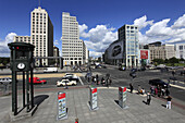 Germany, Berlin, Potsdamer Platz, street scene
