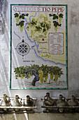 Kacheln mit Karte von Weinanbau Gebieten an einer Mauer, Weingut Bodega Tio Pepe Gonzales Byass, Jerez de la Frontera, Andalusien, Spanien, Europa