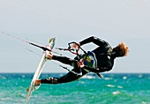 20's, adult, flying, kite, kiteboard, Kite-board, kiteboarding, Kite-boarding, kitesurf, Kite-surf, kitesurfing, Kite-surfing, surf, surfing, young adult, A75-1139431, AGEFOTOSTOCK
