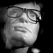 accessory, black and white, Close-up, concept, contemporary, dummy, eyeglasses, face, glasses, head, headshot, imagination, indoors, interior, lifeless, lifelessness, mannequin, portrait, spectacles, style, B75-1017418, AGEFOTOSTOCK