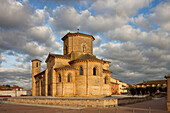 Romanic church San Martin from the 11th century, Fromista, Iglesia San Martin, Camino Frances, Way of St. James, Camino de Santiago, pilgrims way, UNESCO World Heritage, European Cultural Route, province of Palencia, Old Castile, Catile-Leon, Castilla y L