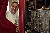 Portrait De Laurent Clement, New Michelin Star Chef In 2009, Gourmet Restaurant - Le Georges, Le Grand Monarque, Place Des Epars, Chartres, Eure-Et-Loir (28), France