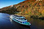 Excursion ship, Prunn castle, nature park Altmühltal, Franconian Alb, Franconia, Bavaria, Germany