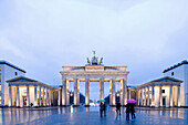 Berlin's landmark Brandenburg Gate, Pariser Platz, Berlin Center, Berlin, Germany, Europe