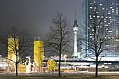 Alexanderplatz at night, Fernsehturm, TV tower in the background, Berlin Mitte, Berlin, Germany, Europe