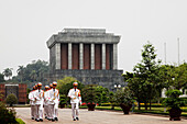Changing of the guard, Ho Chi Minh Mausoleum, Hanoi, Bac Bo, Vietnam