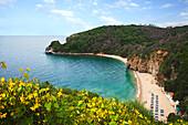 Blick von oben auf den Mogren Strand, Budva, Montenegro, Europa