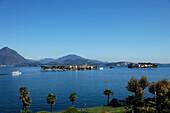 Excursion boats, Isola dei Pescatori, Isola Bella, Stresa, Lago Maggiore, Piedmont, Italy