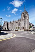 MARISCHAL COLLEGE ABERDEEN Building and cross roads